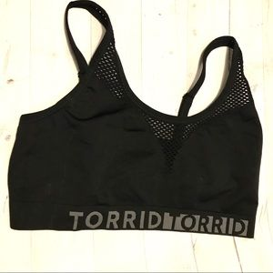 NWT Torrid Sports Bra black athletic 4XL 4X bralet